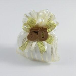 sacchetto bianco e oro con simbolo 50°