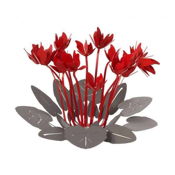 centro tavola in metallo con ciclamini Arti & Mestieri